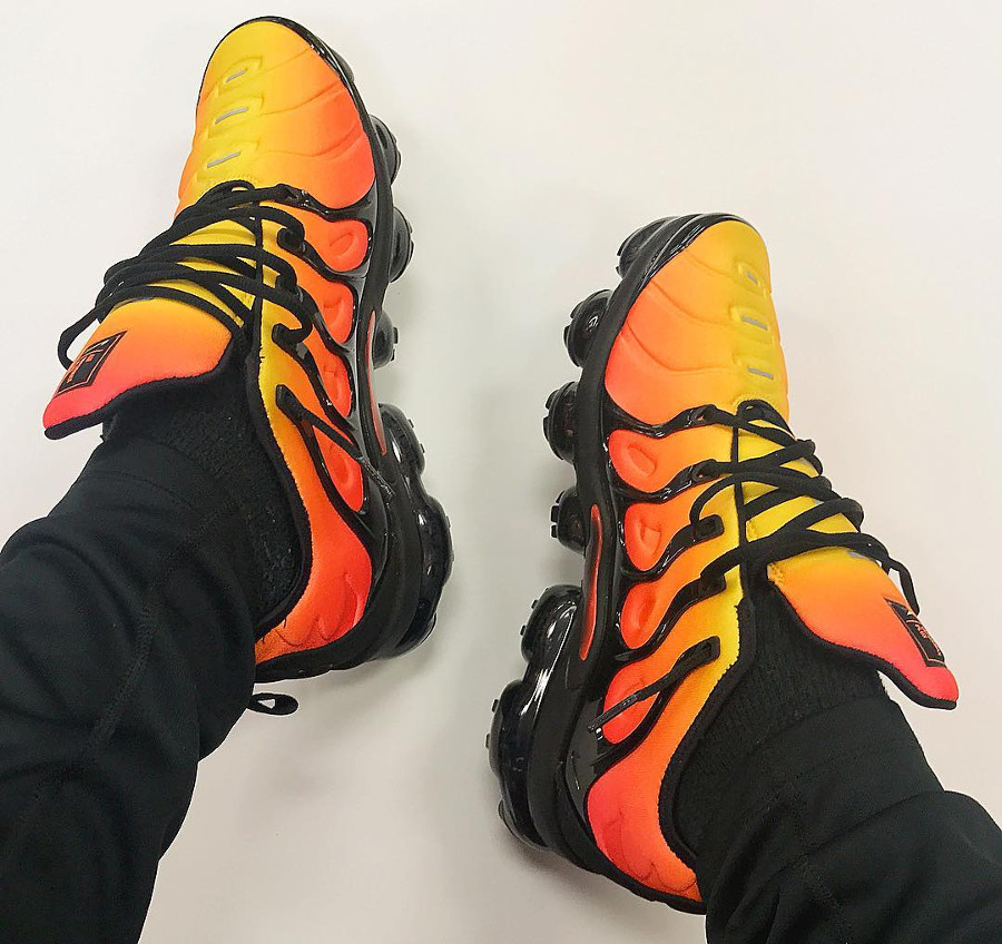 Nike Air Vapormax Plus Tiger Orange