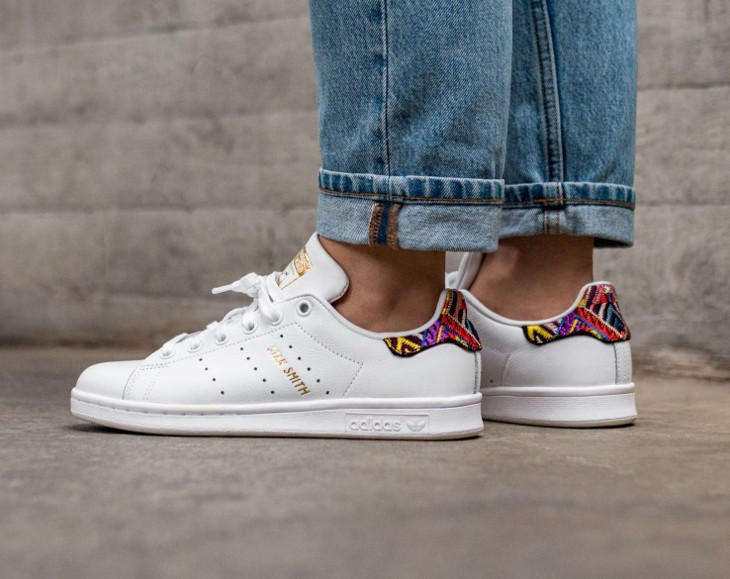 adidas-stan-smith-w-blanche-passinho-broderies-multicolores-patch-talon-CQ2814 (1)