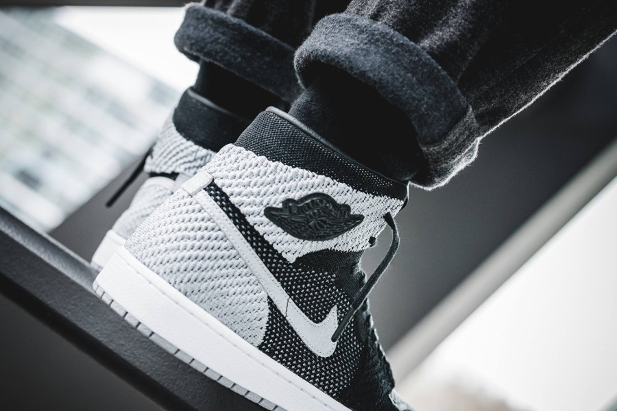 air-jordan-1-shadow-flyknit-retro-high-shadow-noire-et-grise-919704-003 (2)