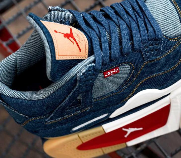 air-jordan-Iv-levi-s-jeans-bleu-AO2571 401 (1)