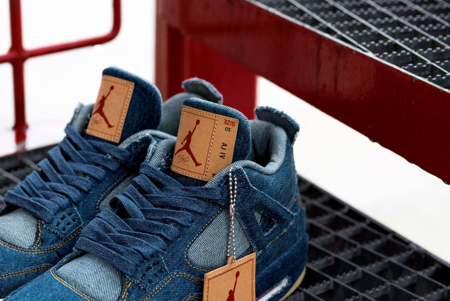 air-jordan-Iv-levi-s-jeans-bleu-AO2571 401 (4)