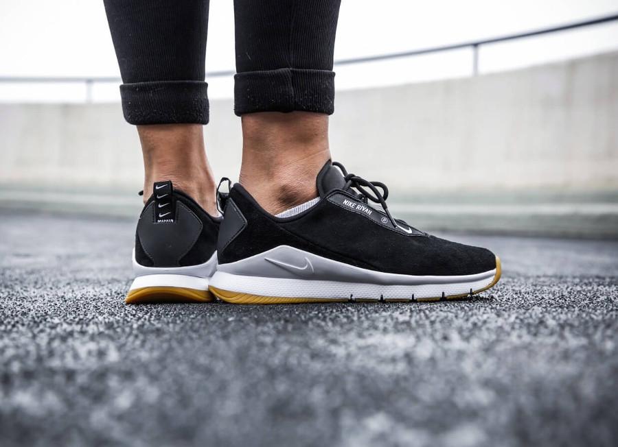 basket-Nike-wmns-Rivah-Premium-Black-White-Gum-AH6775-003 (1)