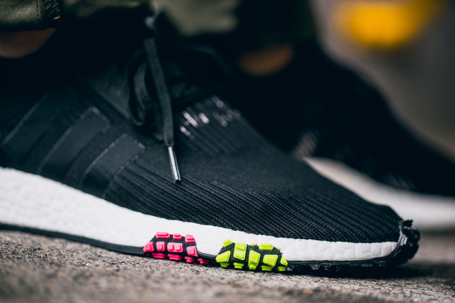 chaussure-adidas-nmd-racer-primeknit-noire- CQ2441 (2)