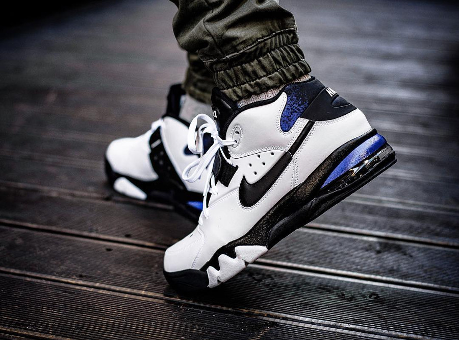 chaussure-nike-air-max-force-max-93-blanche-noire-violet-AH5534-100 (4)