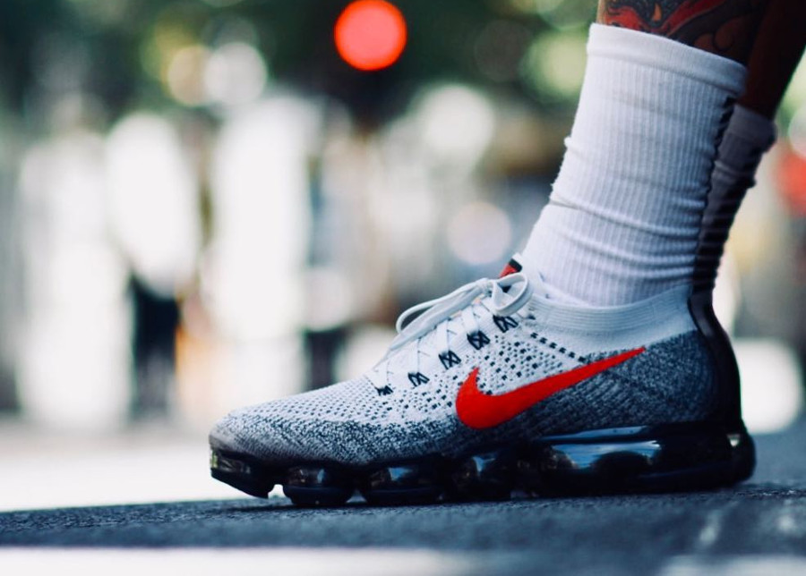 Nike Air Vapormax Flyknit 'Air Max 1 OG Red'