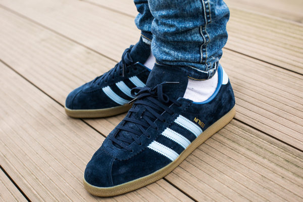 Adidas Berlin City OG 2018 Dark Marine Clear Sky (logo berlin à l'envers) - chaussure rétro homme