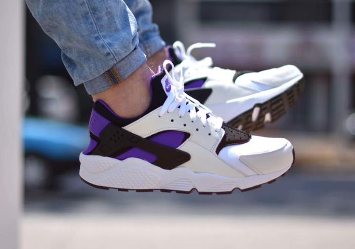 Une Nike Air Huarache Run OG de 1991 : la 'Purple Punch' (édition limitée)