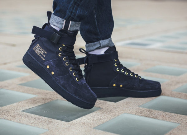 Nike Air Force 1 SF AF1 Mid 'Obsidian Suede'