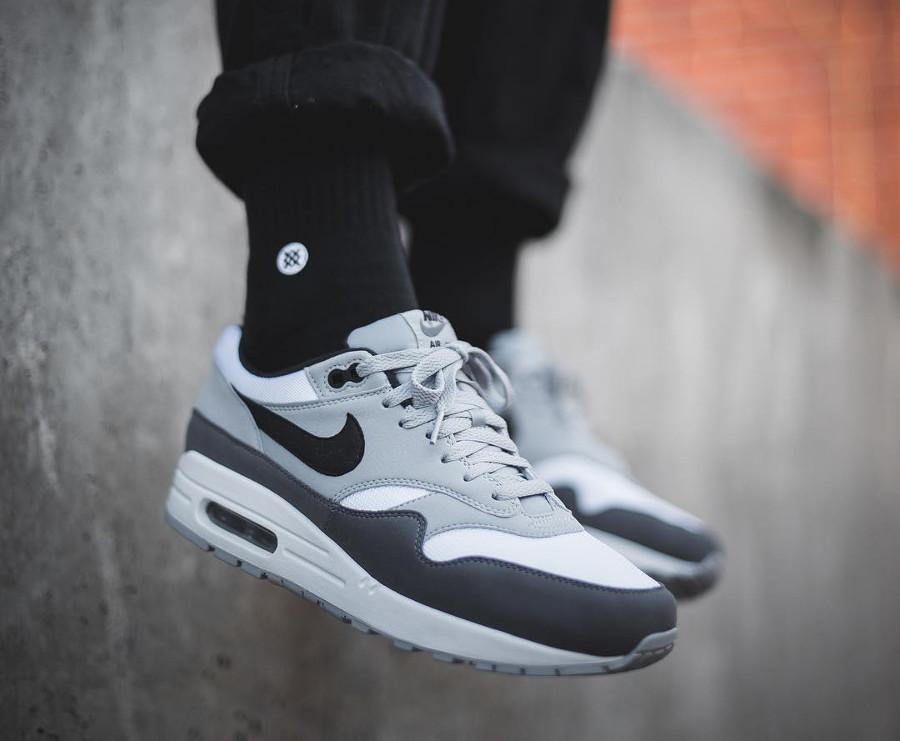Nike Air Max 1 Wolf Grey Gunsmoke (homme) - chaussure rétro 2018