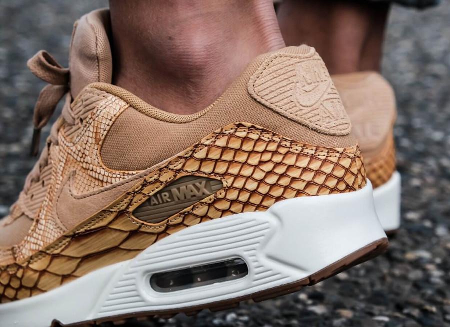 9e9076ecbee Avis  La Nike Air Max 90 PRM Tan Gold  Snakeskin Croc  que vaut-elle
