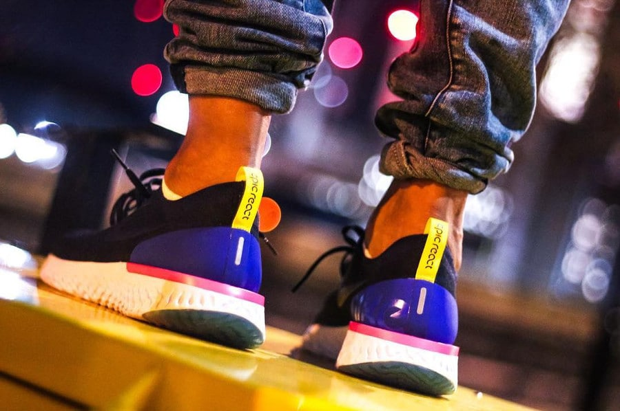 Nike Epic React Flyknit Collegiate Navy on feet (AQ0067-400) (1)