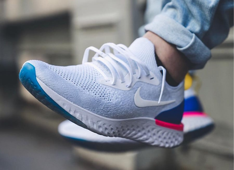 Nike Epic React Flyknit blanche White Racer Blue Pink Blast - AQ0067-101 (1)