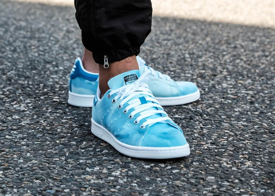 Pharrell Williams x Adidas Stan Smith HU Holi Blue (dégradé bleu)