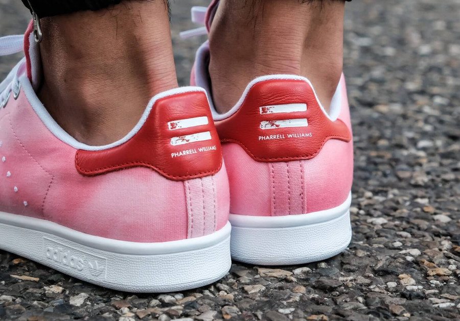 Pharrell Williams x Adidas Stan Smith HU Holi Pink (dégrade rose)