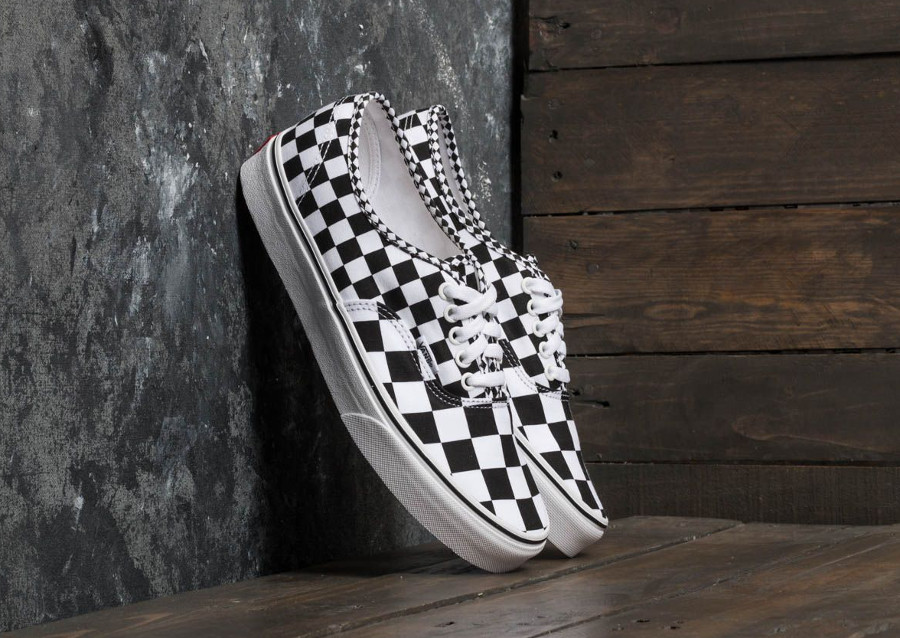 basket-vans-authentic-mix-checker-black-true-white-carreaux-noir-et-blanc-VA38EMQ9B (5)