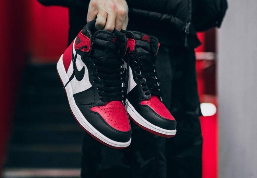 chaussure-air-jordan-1-high-retro-bred-black-toe-555088-610 (1)