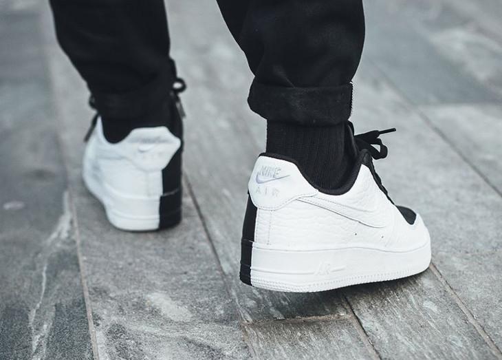 chaussure-nike-air-force-1-low-07-premium-split-scarface-noire-et-blanche-905345 004 (1)