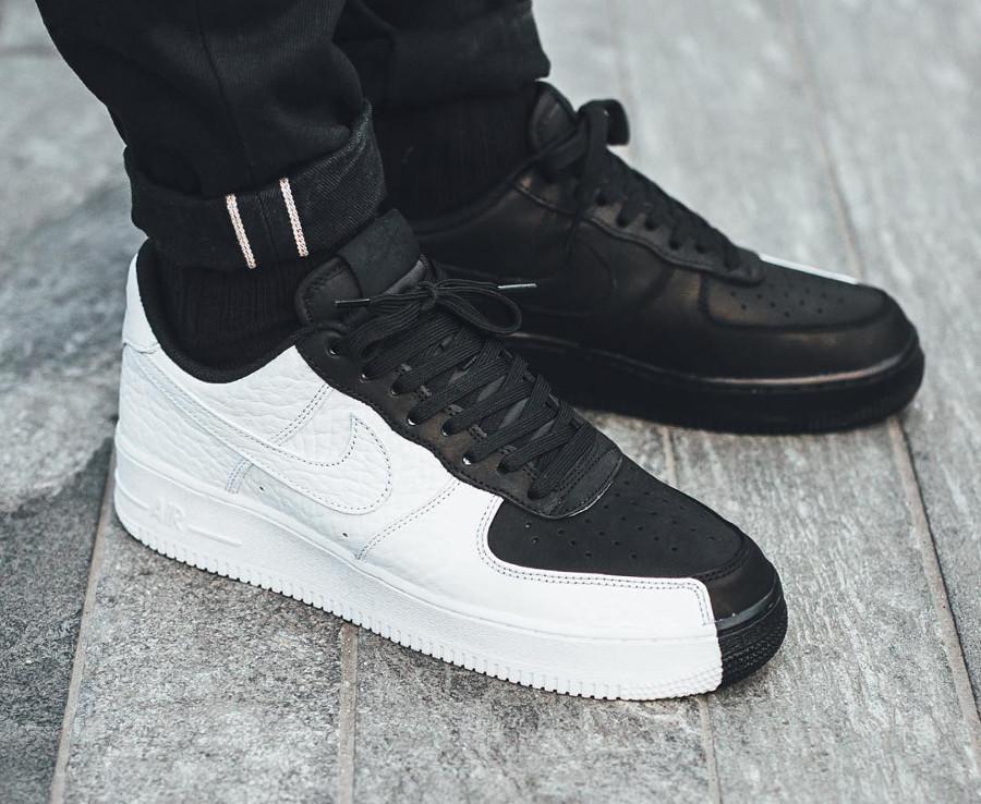 chaussure-nike-air-force-1-low-07-premium-split-scarface-noire-et-blanche-905345 004 (3)