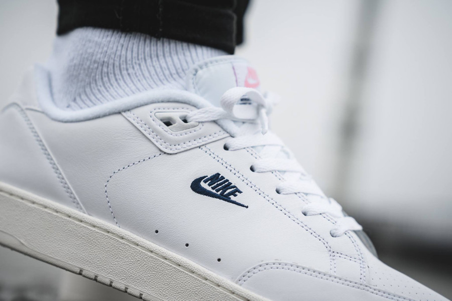 quality design 47dfc 1b4d0 chaussure-nike-grandstand-ii-blanche-rose-AA2190-100 (