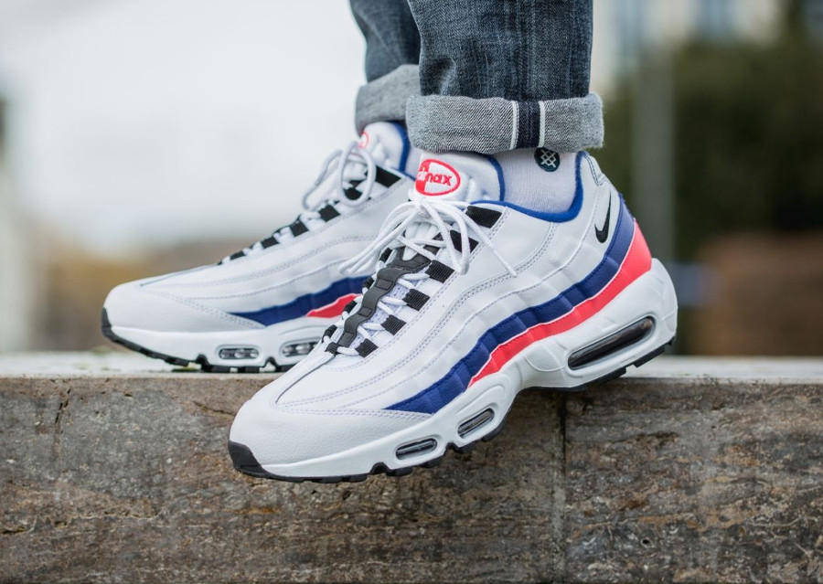 nike-air-max-95-white-ultramarine-solar-red-black-749766-106 (8)