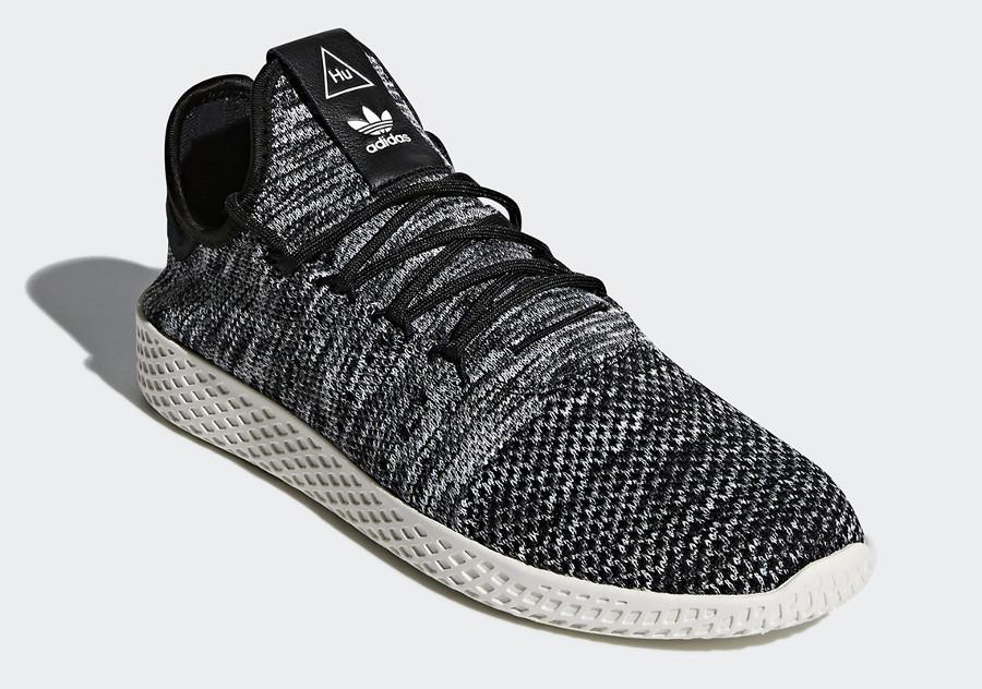 pharrell-adidas-tennis-hu-oreo-cq2630