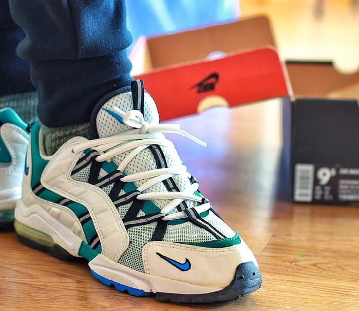 1996 Nike Air Max Light III - @mayor91