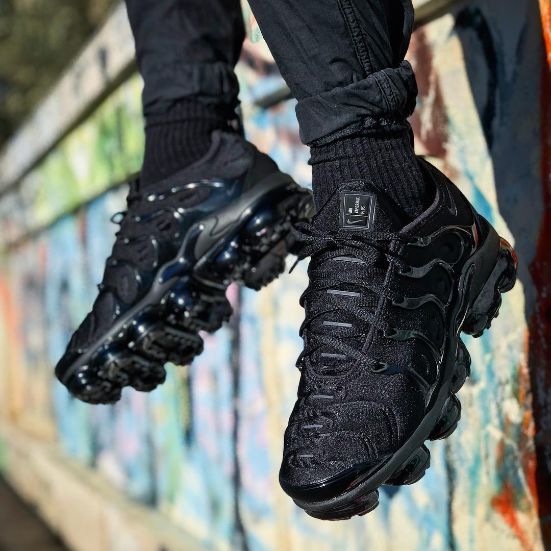 2018 - Nike Air Vapormax Plus Triple Black - @iamdanielesferlazzo