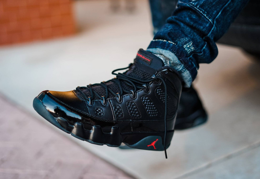 Chaussure Air Jordan 9 Retro Bred 2018 Black Red (noir et rouge) on feet