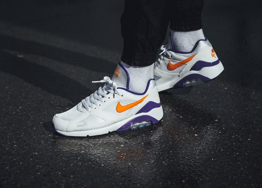 Chaussure Nike Air Max 180 OG White Bright Ceramic 2018 on feet