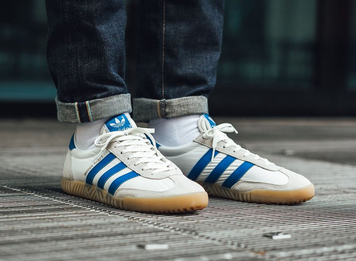 official photos 926ff 183ca Chaussure Adidas SPZL Indoor Kraft blanche et bleue (semelle en gomme)