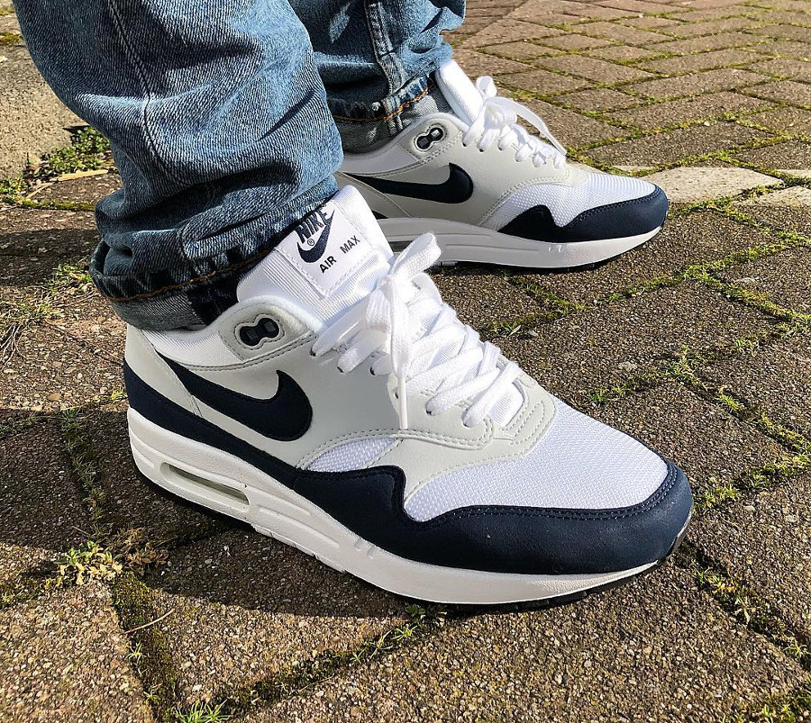 Nike Wmns Air Max 1 Obsidian 2018 on feet - @kicksofme