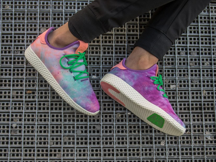 Pharrell-williams-adidas-tennis-hu-holi-mc-chalk-coral (2)
