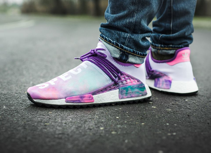 Pharrell x Adidas NMD HU Trail MC Holi Species sanskrit (1)