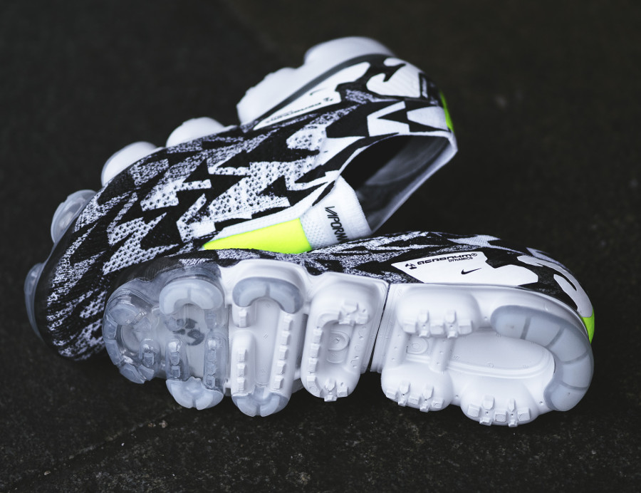 basket-acronym-nike-air-vapormax-moc-ii-sans-lacets-camouflage-noir-et-blanc-AQ0996-001 (2)