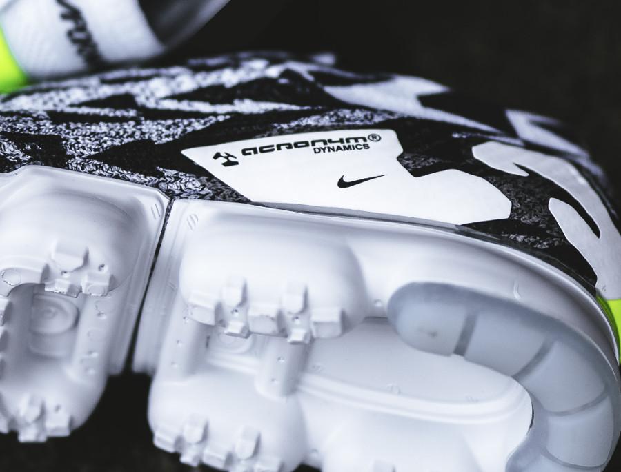basket-acronym-nike-air-vapormax-moc-ii-sans-lacets-camouflage-noir-et-blanc-AQ0996-001 (3)