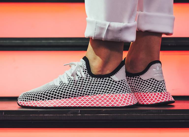 basket-adidas-deerupt-runner-w-core-black-chalk-pink-CQ2909 (2)
