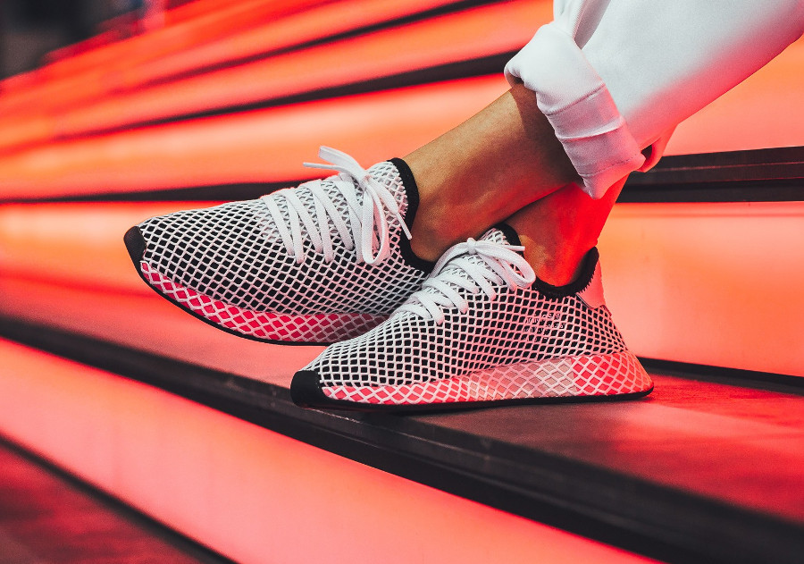 basket-adidas-deerupt-runner-w-core-black-chalk-pink-CQ2909 (3)