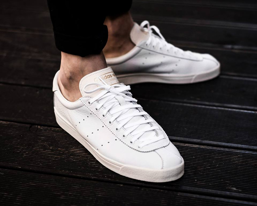 Chaussure Adidas SPZL Lacombe Chalk White (cuir blanc) on feet