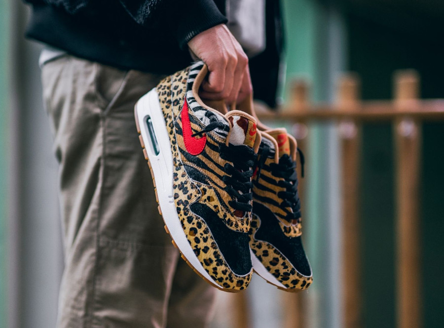 basket-atmos-tokyo-nike-air-max-one-poil-leopard-swoosh-rouge-semelle-gomme (2)