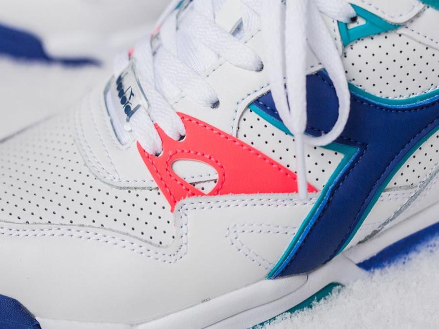 basket-de-tennis-diadora-rebound-ace-boris-becker-blanche-turquoise-degradé-bleu (1)