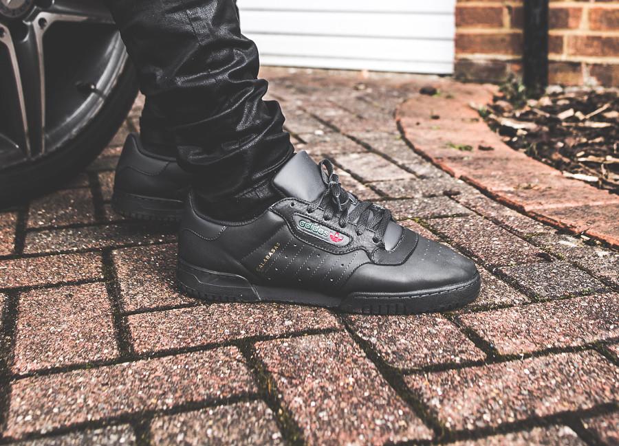 adidas calabasas noir