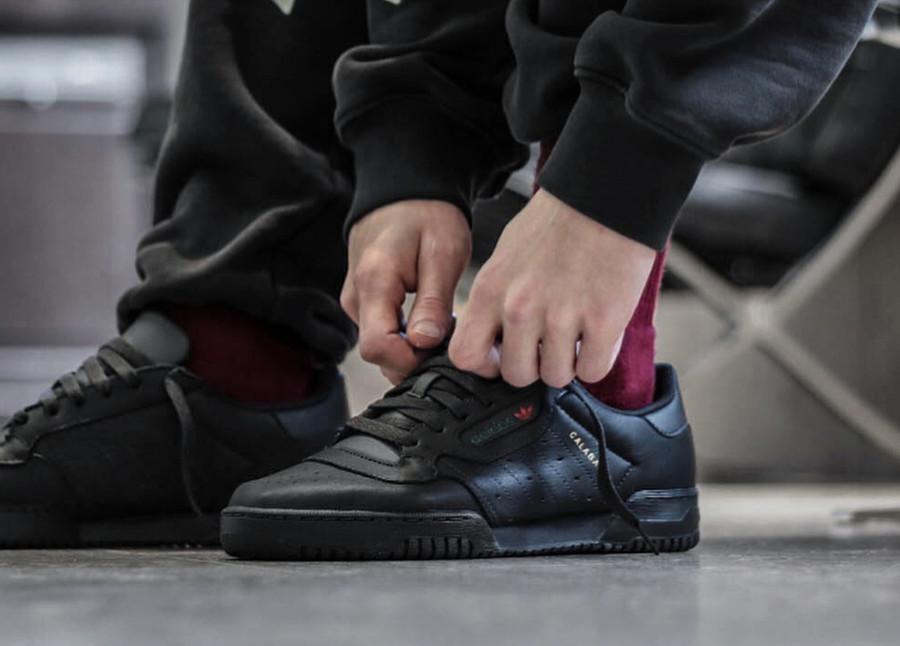 basket-kanye-west-adidas-yeezy-powerphase-cuir-noir (4)