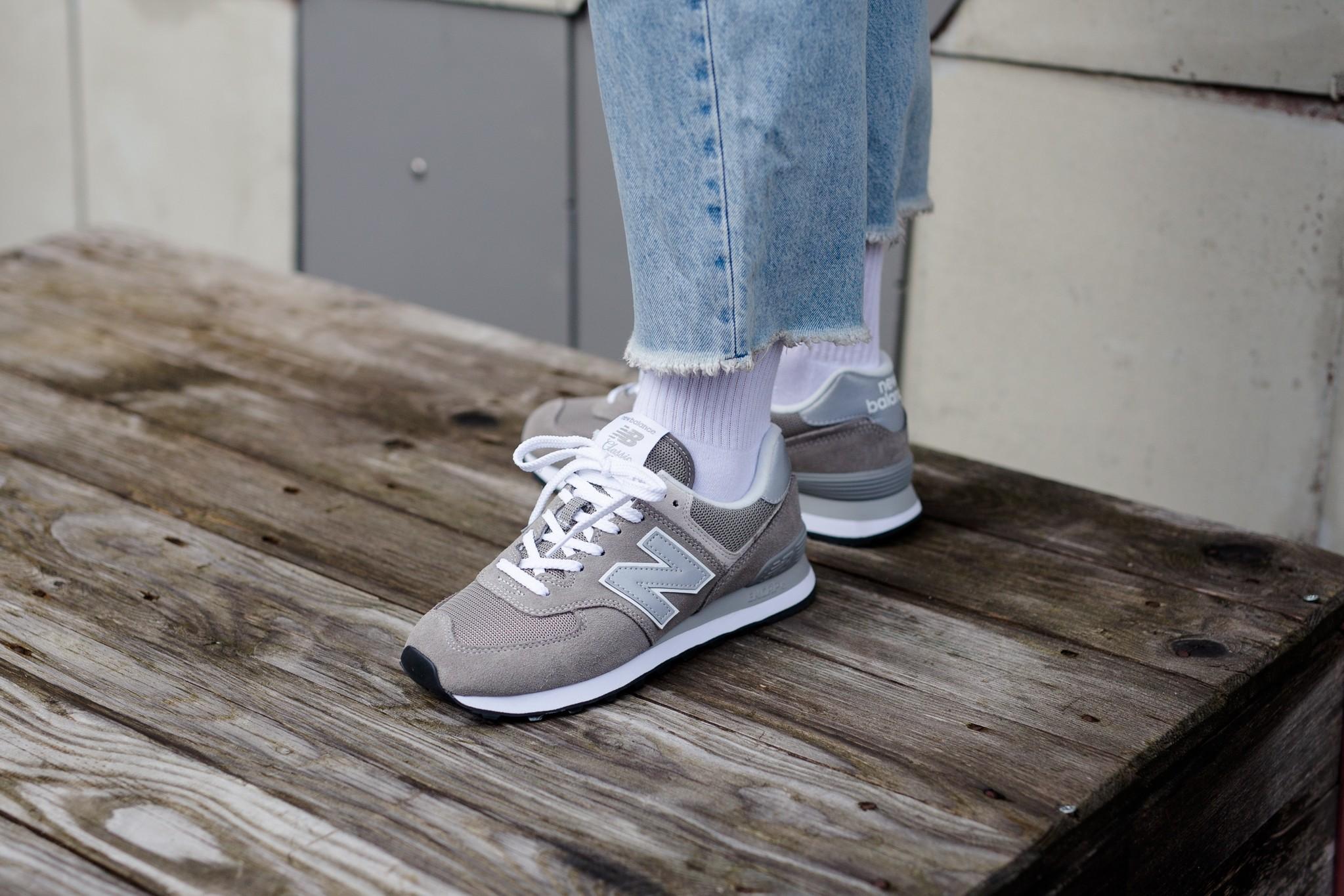 basket-new-balance-wl574eg-femme-on-feet