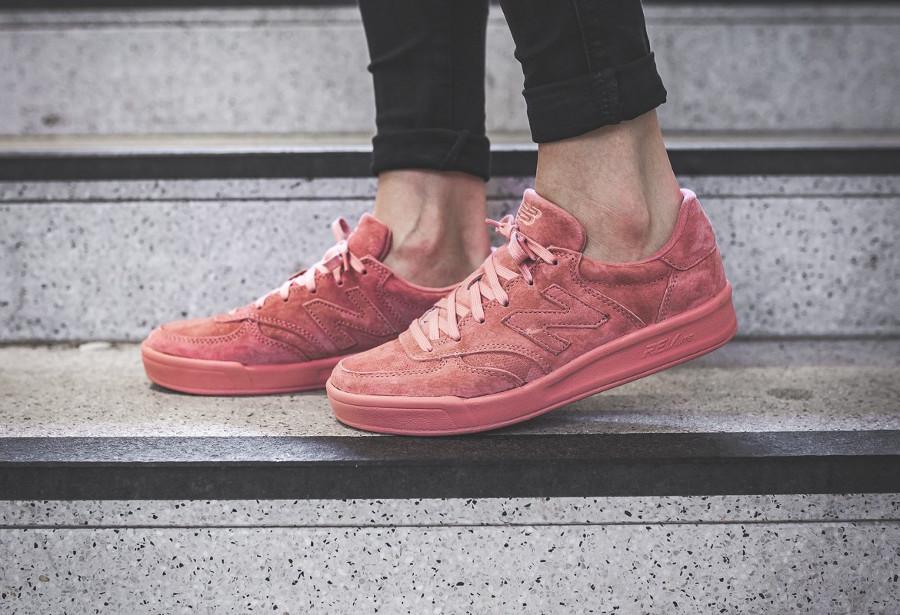 basket-new-balance-wrt-300-pp-en-daim-rose-femme (2)