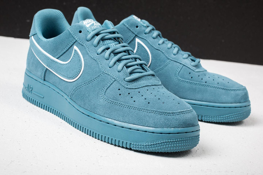 mode designer d3528 1b822 Avis] Nike Air Force 1 Low '07 LV8 Suede Bleu Noise Aqua ...