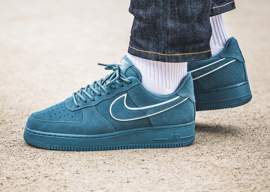 2018 Nike Air Force 1 Low '07 LV8 Suede Blue White AA1117