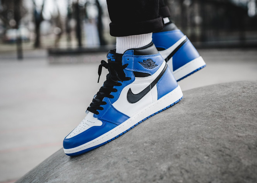 Chaussure Air Jordan 1 Retro High OG Game Bleu Royal on feet