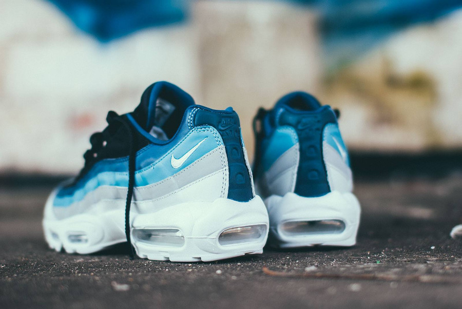 Avis] Nike Air Max 95 Essential Reverse Stash dégradé bleu