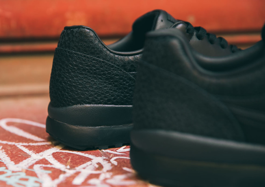 basket-nike-air-safari-originale-rétro-noire-triple-black (2)