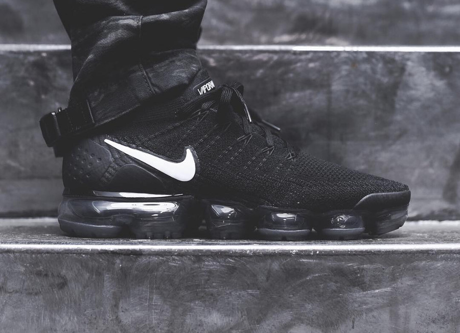 Nike Air Vapormax Flyknit 2.0 'Black White'